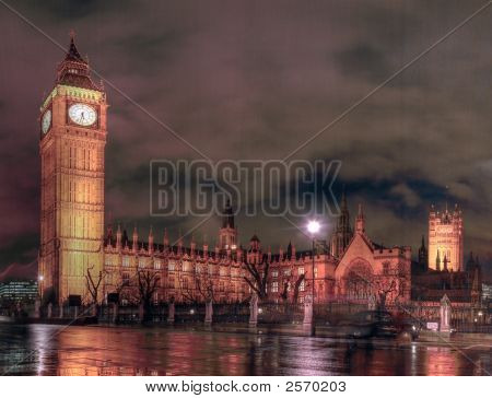 Houses Of Parliament At Night