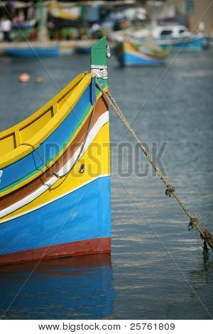 Luzzu, Maltese boat with eyes