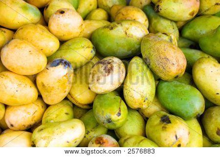 Green And Yellow Mangos
