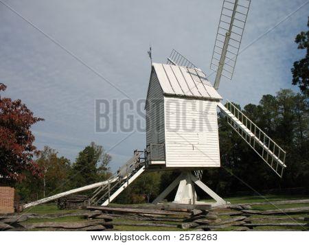 Windmillatwilliamsburg
