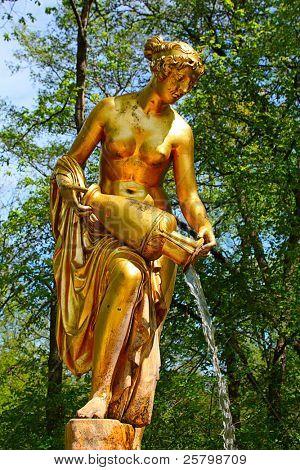 Estátua de ouro, Peterhof, Rússia