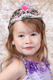 image of toddlers tiaras  - Little girl Dressed at Princess for halloween - JPG
