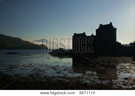 Eilean Donan Castle Silhouette
