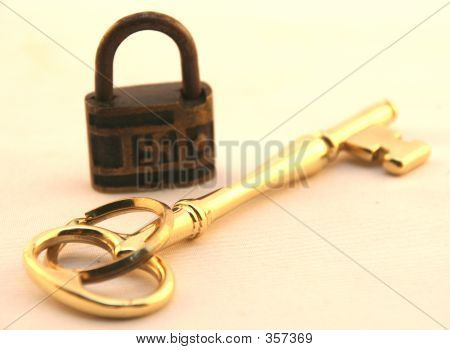 Nazi Lock And The Golden Key