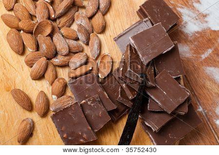 pastelería. Chocolate y almendras.