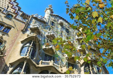BARCELONA, SPAIN - AUGUST 16: Casa Batllo on August 16, 2011 in Barcelona, Spain. The famous building was designed by Antoni Gaudi