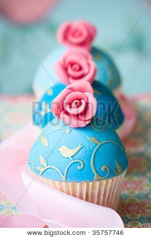 Vintage style cupcakes