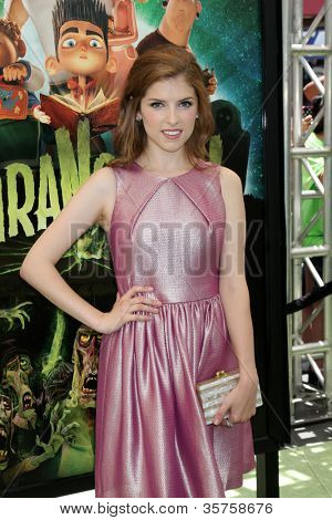 LOS ANGELES - AUG 5:  Anna Kendrick arrives at the