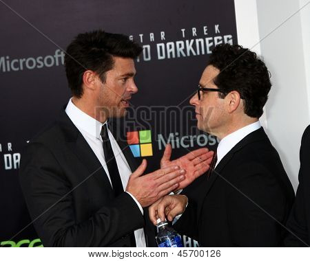 LOS ANGELES - MAY 14:  Karl Urban, JJ Abrams arrives at the