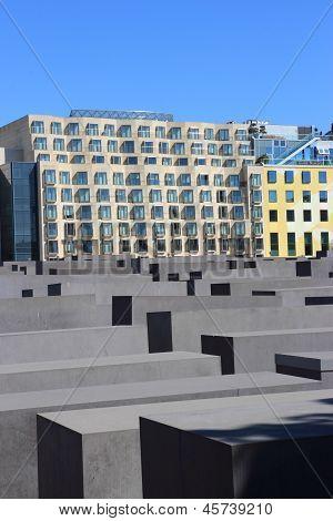 Holocaust Memorial (german: Holocaust-mahnmal)