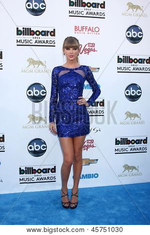 LOS ANGELES -  MAY 19:  Taylor Swift arrives at the Billboard Music Awards 2013 at the MGM Grand Garden Arena on May 19, 2013 in Las Vegas, NV