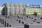 Holocaust-Mahnmal (Deutsch: Holocaust-Mahnmal)