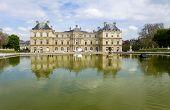Постер, плакат: Париж Древний дворец в Люксембургский сад