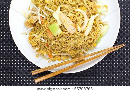 chinese stir-fried noodles