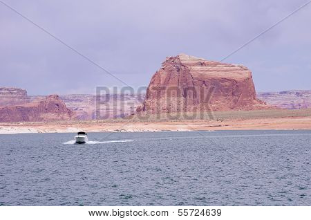 Boat floating in Lake Powell, USA