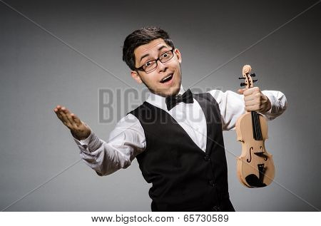 Funny violin player with fiddle