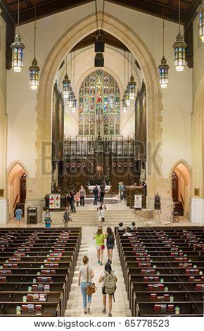 Inside Toronto Metropolitan United Church