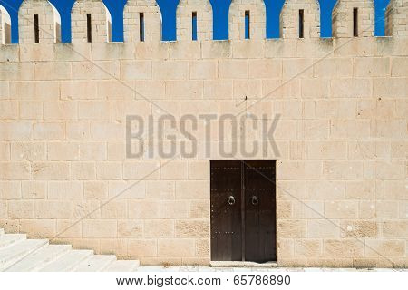 Medina Wall With Door (1)
