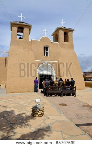 Easter mass a the San Francisco de Asis Mission Church