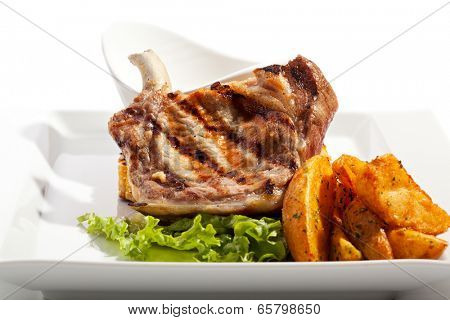 Pork Brisket with Fried Potato and Sauce