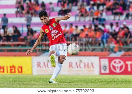 Sisaket Thailand-october 29: Anuwat Noicheunphan Of Army Utd. Shooting Ball During A Training Ahead