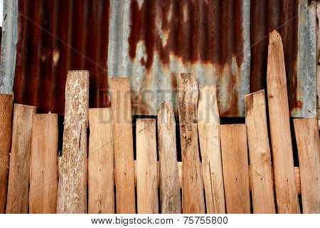 Wood and rust zinc pattern