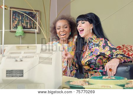 Cute Retro Ladies Laughing