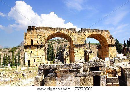 Roman Basilica Bath, Hierapolis, Pamukalle, Turkey.