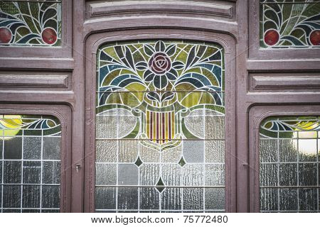 nineteenth century stained glass style, Spanish city of Valencia, Mediterranean architecture