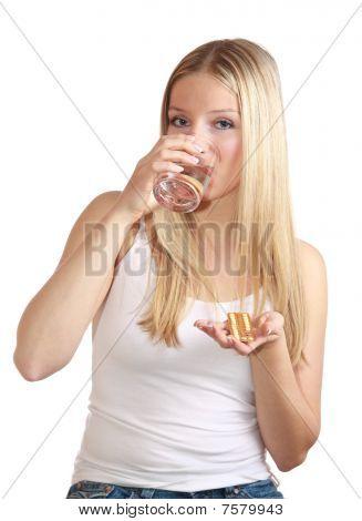 Frau mit Geburtenkontrolle Pillen