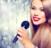 picture of singer  - Singing Woman - JPG