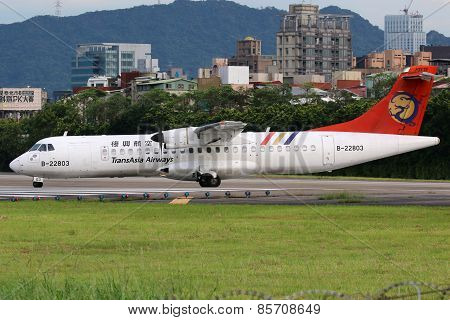 Transasia Airways Atr 72-500 Airplane Taipei Songshan Airport