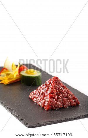 Tar-tar Beaf Meat Pyramida View