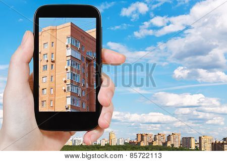Tourist Photographs Of Urban Brick House