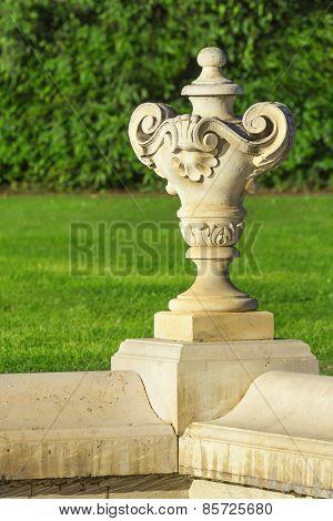 Baroque planter
