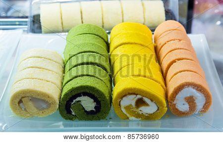 Slice Roll Cake