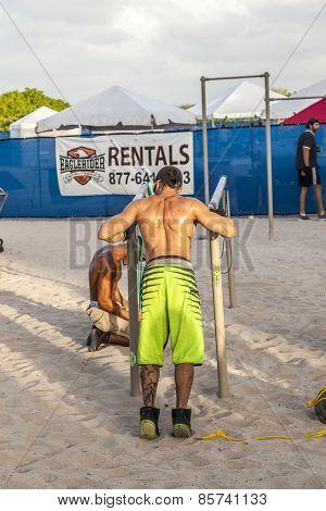 Bodybuilder Train At  South Beach In Miami