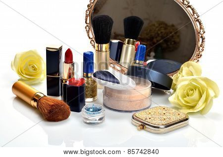 Items for decorative cosmetics and makeup