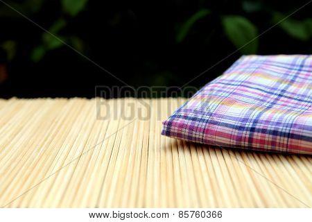 Blur Linen On Bamboo Matt