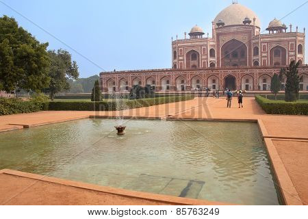 Humayun's Tomb With Water Pool, Delhi, India