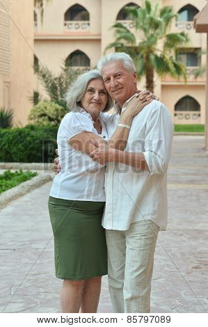 couple at tropic hotel