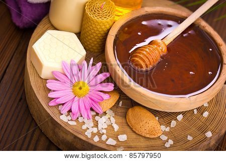 Honey and spa treatment