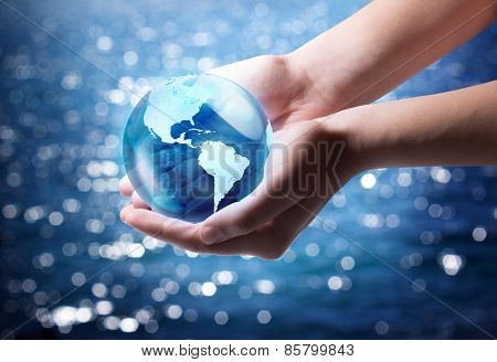blue world in the hand - Usa