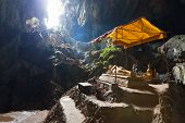 picture of recliner  - Reclining Buddha statue in Tham Phu Kham cave - JPG