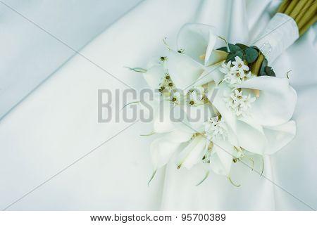 wedding bouquet of white calla lilies