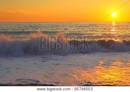 Tropical decline background. Sea, wave and sun.
