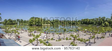 People Enjoy The Lake In Bad Nauheim