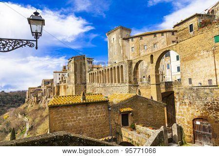 medieval Italy - Pitigliano