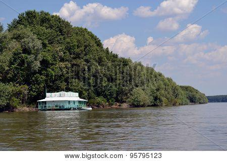 Ponton Danube