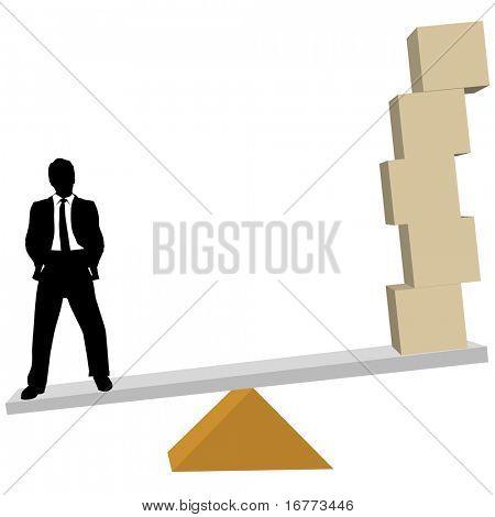 Ein Business-Mann wiegt Lösungen für Symbol Cubes oder Versand-Boxen im Maßstab.